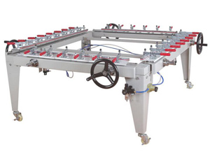 Pneumatic stretching machine